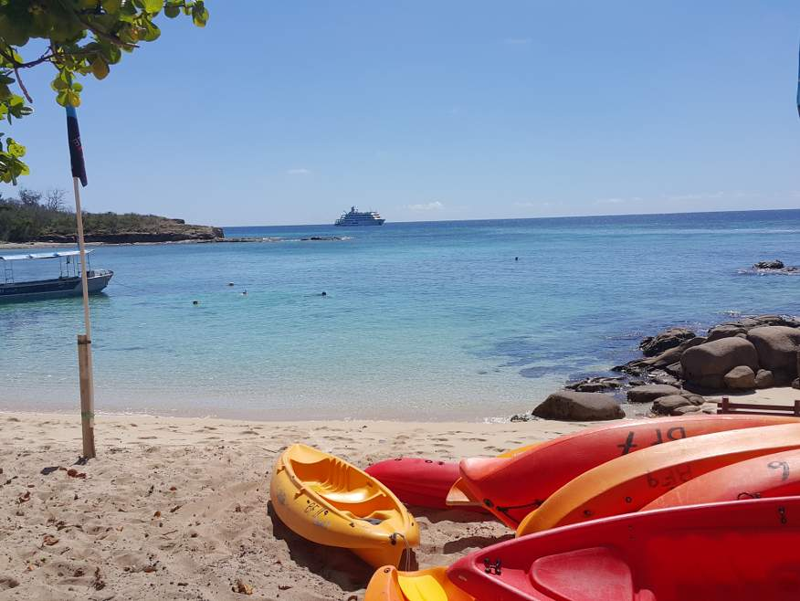 4 nights Barefoot Manta Island Package - including Yasawa Flyer Island transfers